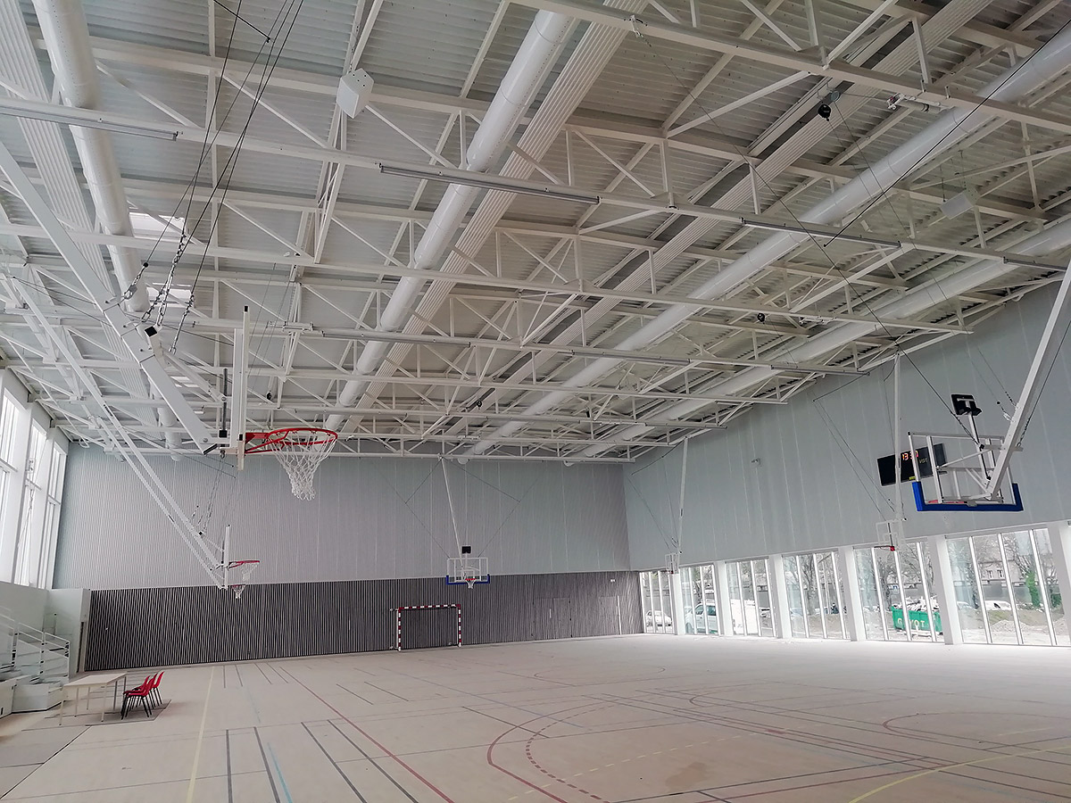 Ventilation DF des 2 salles de sports, diffusion par gaines métalliques perforées
