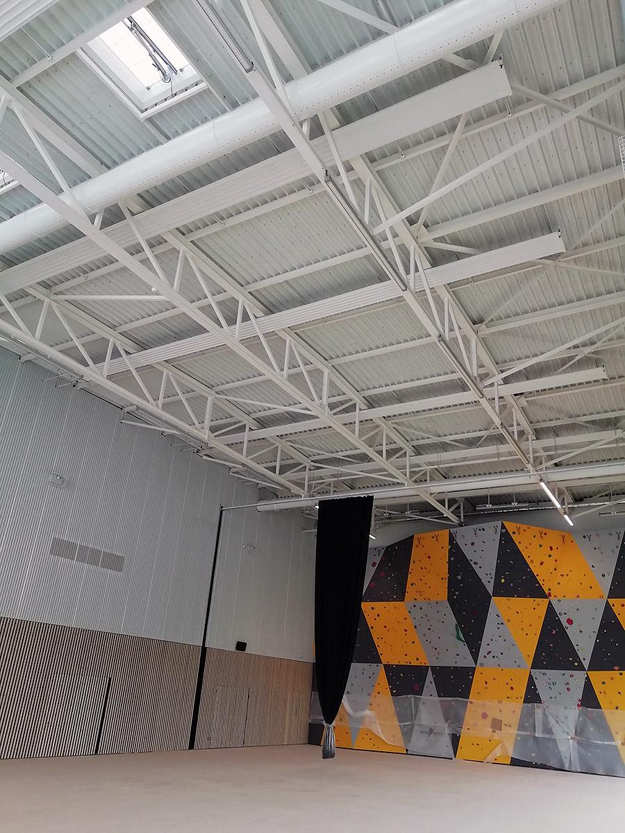 Chauffage de 2 salles multisports par panneaux rayonnants eau chaude