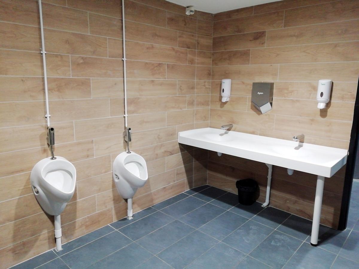 Réfection sanitaires public Carrefour Plouzané